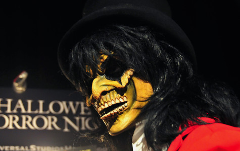 Halloween Horror Nights prepares for opening night