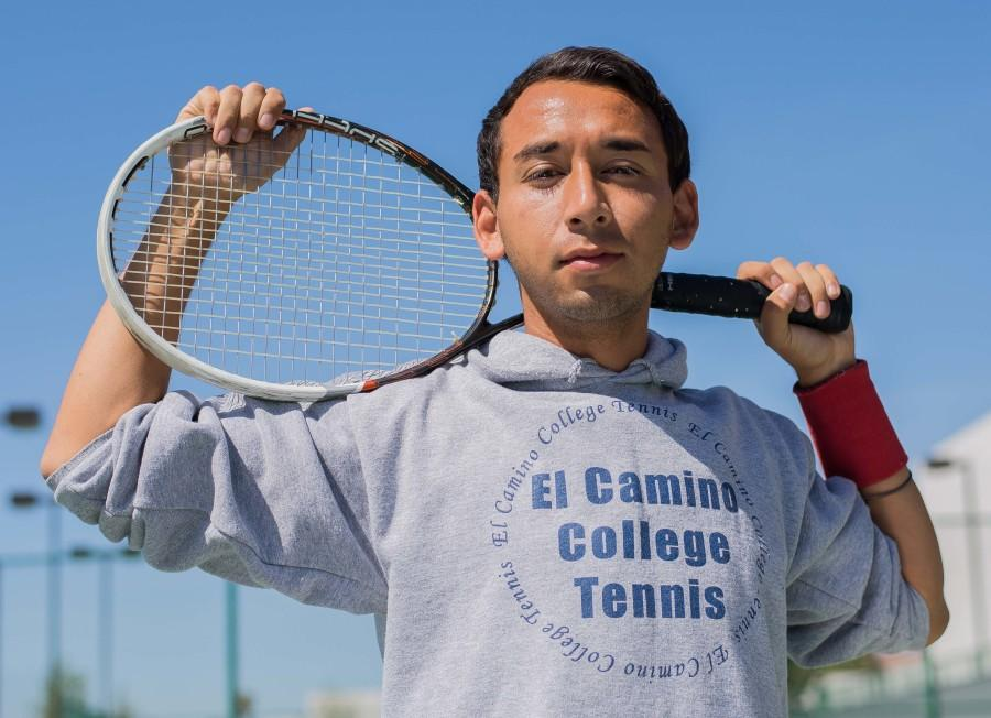 Tennis player makes his own path in life