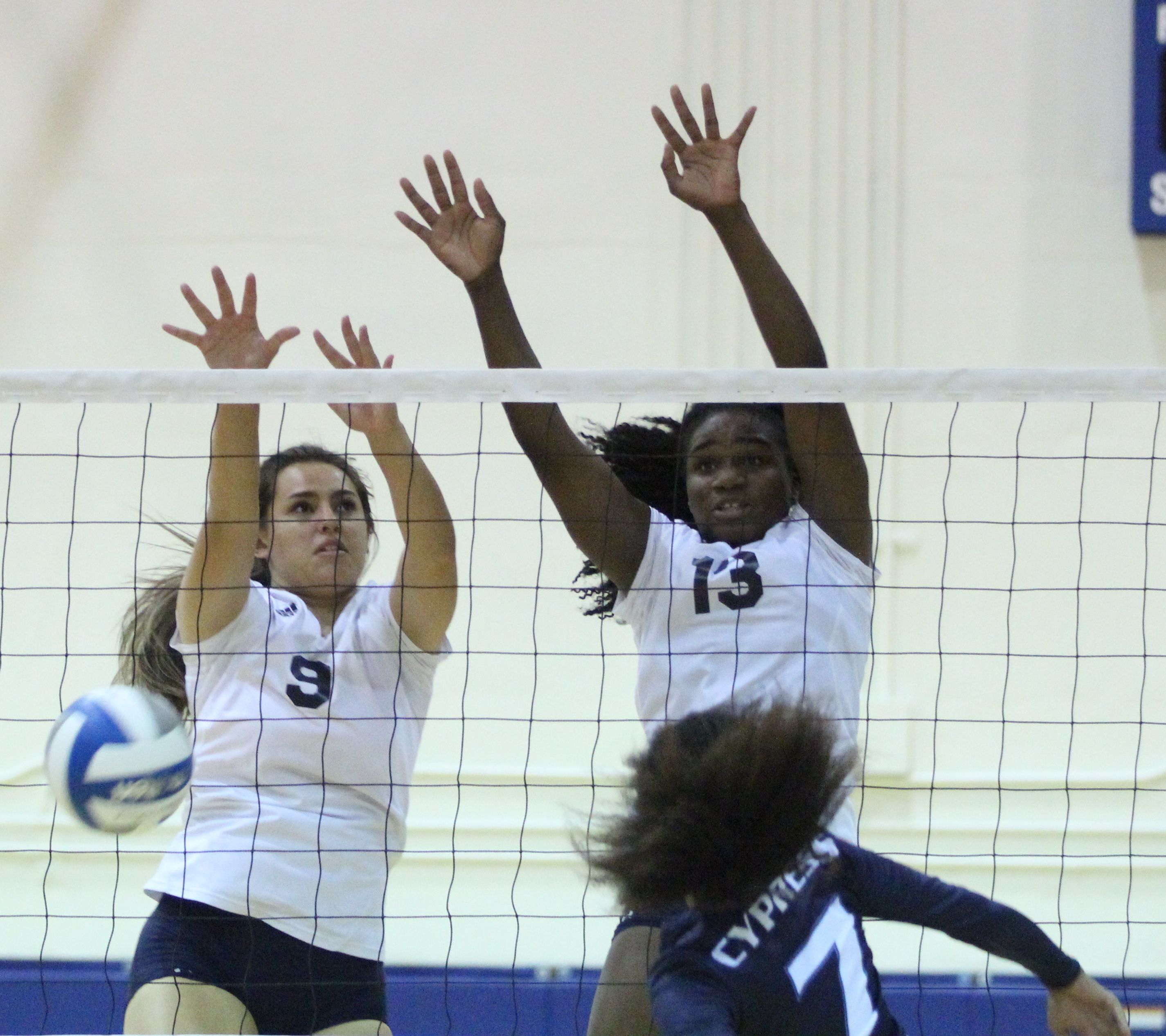 Women's volleyball gets revenge against Cypress College with 3-0 sweep