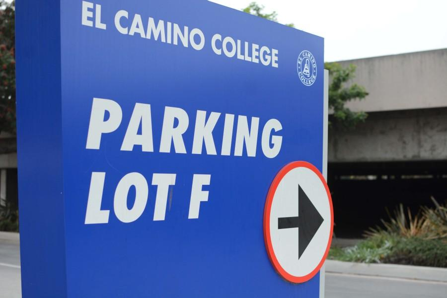 Student robbed at gunpoint in Lot F