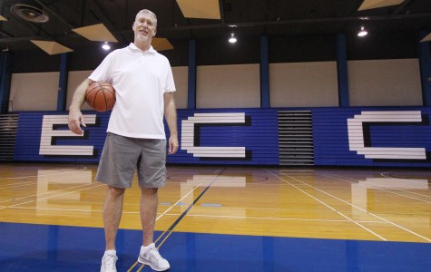 Women's basketball team enjoys success under veteran coach