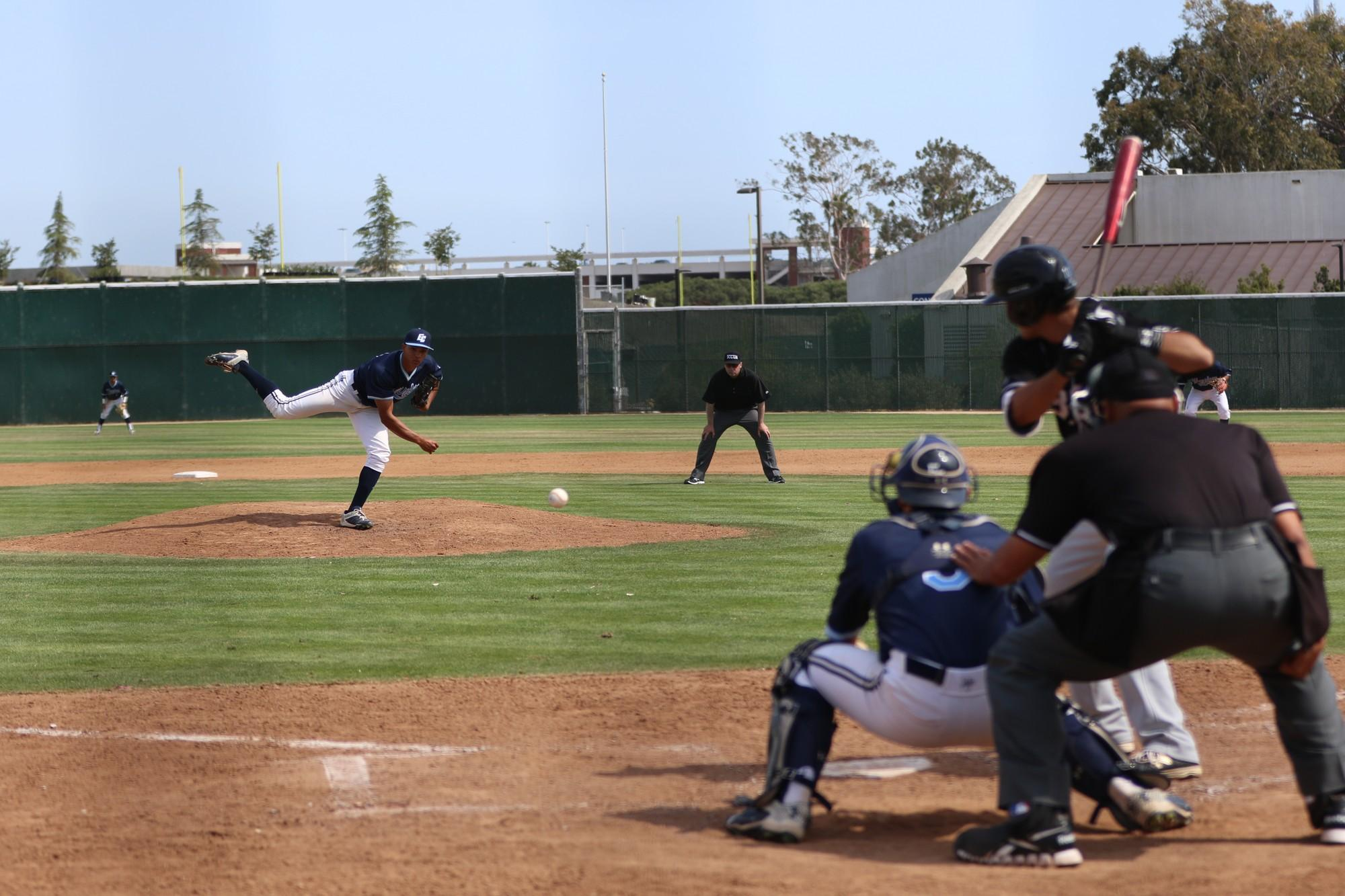 Baseball team drops fourth straight in loss to Long Beach City College
