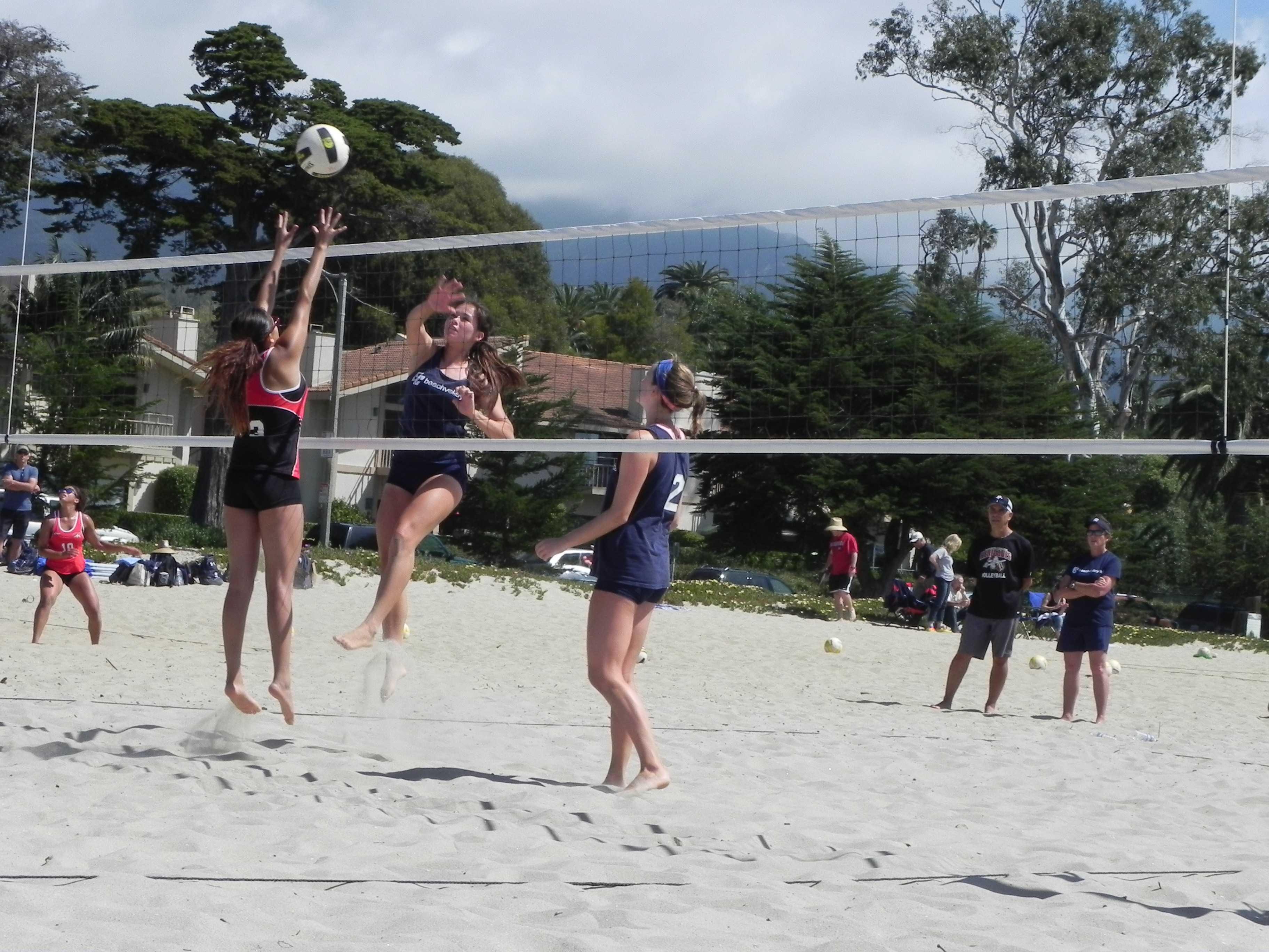 Beach volleyball team beats Bakersfield; loses perfect season against Santa Barbara City College