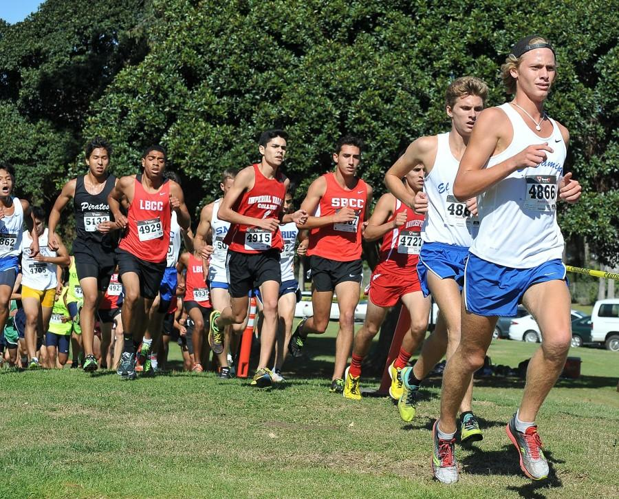 Freshmen+Michael+Moody+%28front%29+and+David+Hodges+%28behind%29+competed+in+a+dense+field+of+runners+at+the+CCCAA+SoCal+Regional+championships+Friday+morning.+Photo+courtesy+of+coach+Dean+Lofgren.