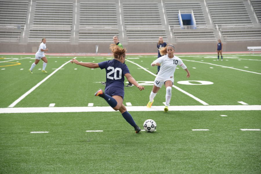 EL Camino defender Leslie Landeros, No. 20, keeps the ball in the game against Mt. San Jacinto on Sept. 13, at  Murdock Stadium, El Camino College. Photo credit: Marlena Keenan