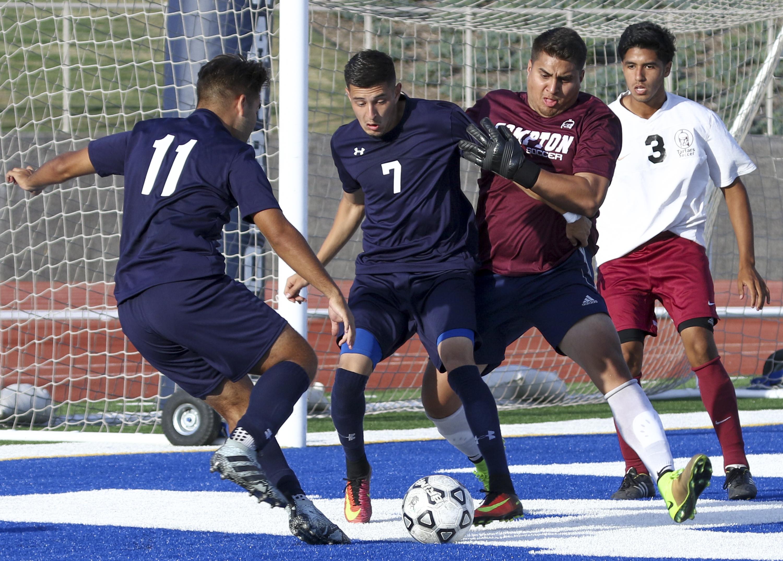 El Camino men's soccer team earns draw versus El Camino Compton-Center