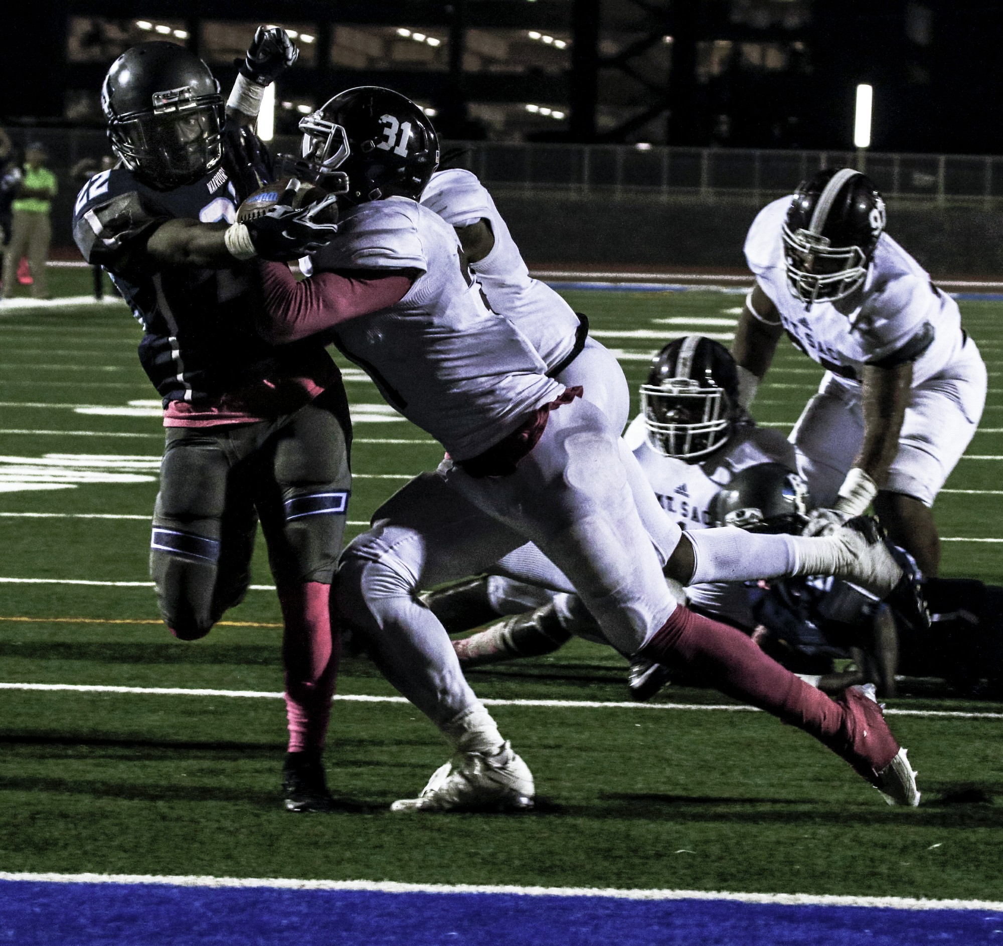 El Camino running back Donovan Davis (No. 22) runs the ball into the end zone for a touchdown during the game against Mt. SAC on Saturday Oct. 23 at El Camino. Photo credit: Jacquelyn  Romano
