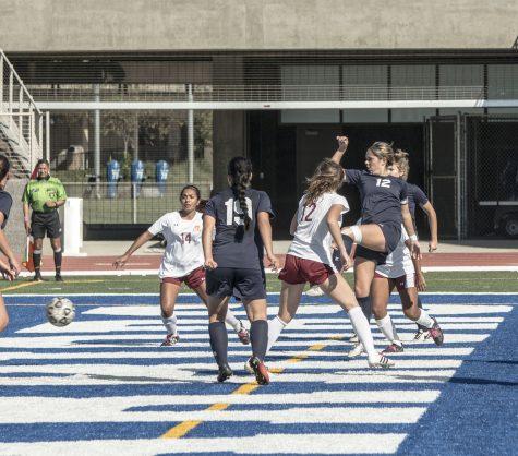 Three-game winning streak for men's soccer team snapped by Golden West