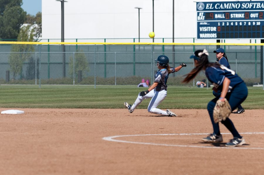 Freshman+Ashley+Machado+%28No.+15+Catcher%2FOutfield%29+slides+into+second+base+for+the+Warriors+against+L.A.+Harbor+College+on+Tuesday%2C+March+28+at+El+Camino+College.+Photo+credit%3A+Osvaldo+Deras