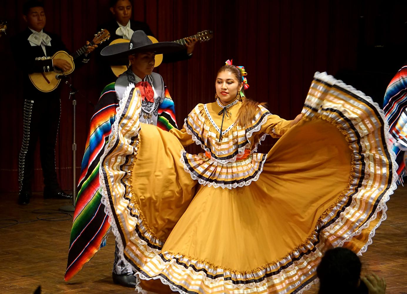 Chicano culture celebration concluded with music and dance