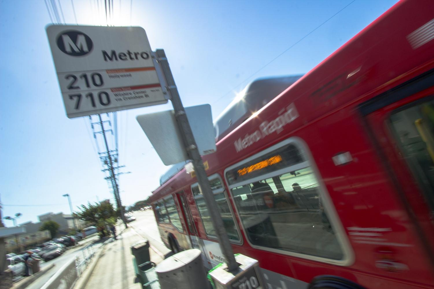 Metro-U pass offers students discounted transit prices