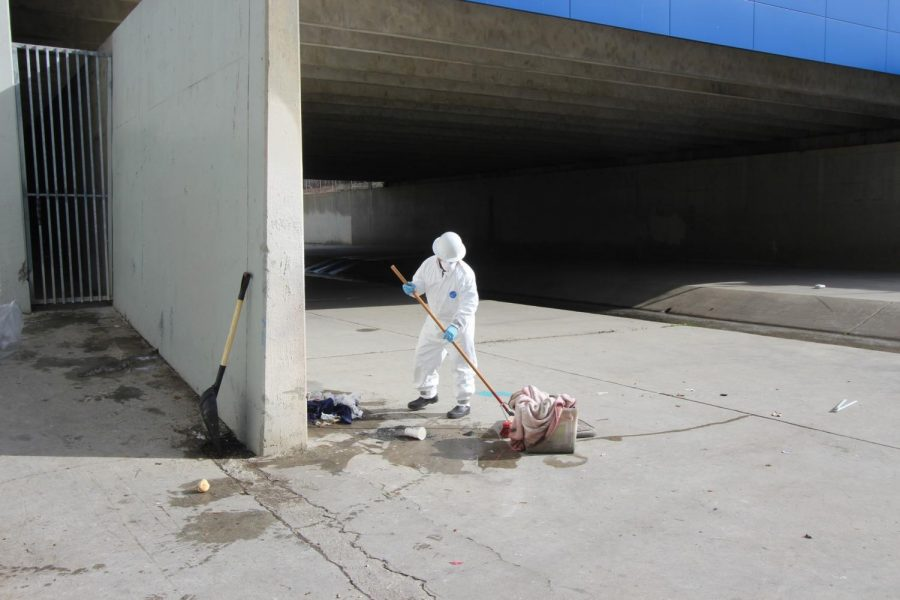 Homeless encampment in nearby Dominguez Channel cleared by LA County Sheriff's Department