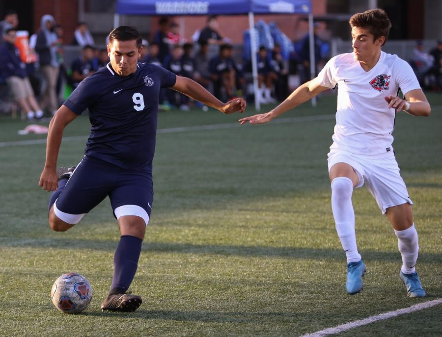 EC+Warriors+Forward%2C+Kevin+Negrete%2C+blasts+in+an+impressive+shot+from+a+sharp+angle+for+his+second+goal+of+the+game+during+the+EC+vs+Chaffey+College+men%27s+soccer+match+at+El+Camino+College+on+Tuesday%2C+Oct.+23.+Photo+credit%3A+Darwyn+Samayoa