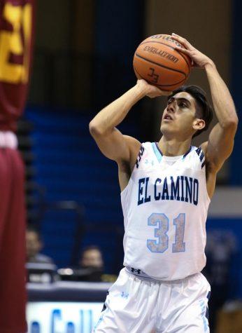 ECmnsbasketball (10 of 16).jpg