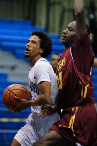 ECmnsbasketball (14 of 16).jpg