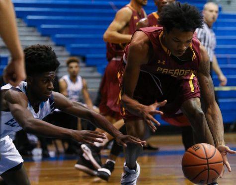 ECmnsbasketball (8 of 16).jpg