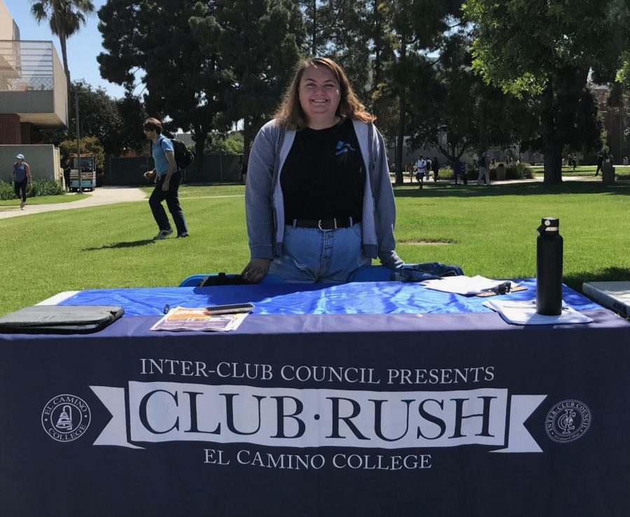 Inter-Club+Council+Vice+President+Jennifer+Gutierrez+representing+ICC+at+Club+Rush+during+last+semester%27s+event.+Sept.+10%2C+2018.+Photo+credit%3A+Fernando+Haro