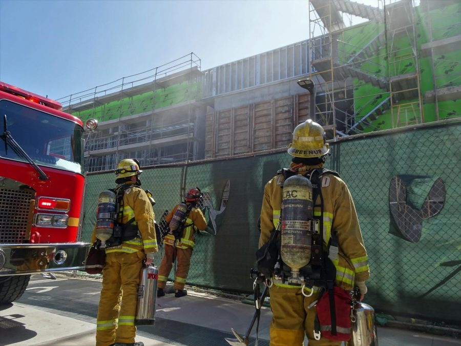 The+Los+Angeles+County+Fire+Department+reported+to+a+small+fire+that+broke+out+on+the+second+floor+of+the+Pool+and+Classroom+Building+construction+site+Tuesday%2C+Aug.+27.+The+fire+was+out+before+firefighters+got+to+the+scene%2C+Los+Angeles+County+Fire+Department+Captain+Ernie+Lopez+said.+Ryan+Farrell+%2F+The+Union