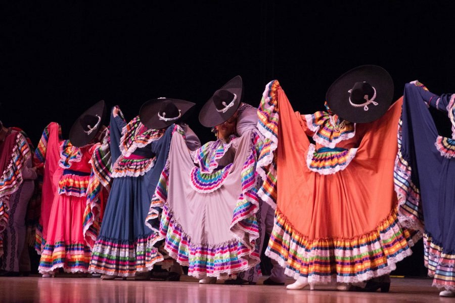 Dancers from Compañía Nuestras Raíces perform traditional Mexican dances to live music by Mariachi Los Reyes during