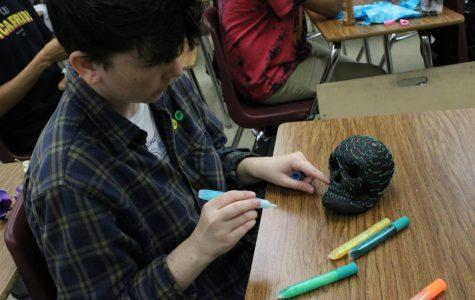 Anthropology Club holds annual Día de los Muertos Workshop