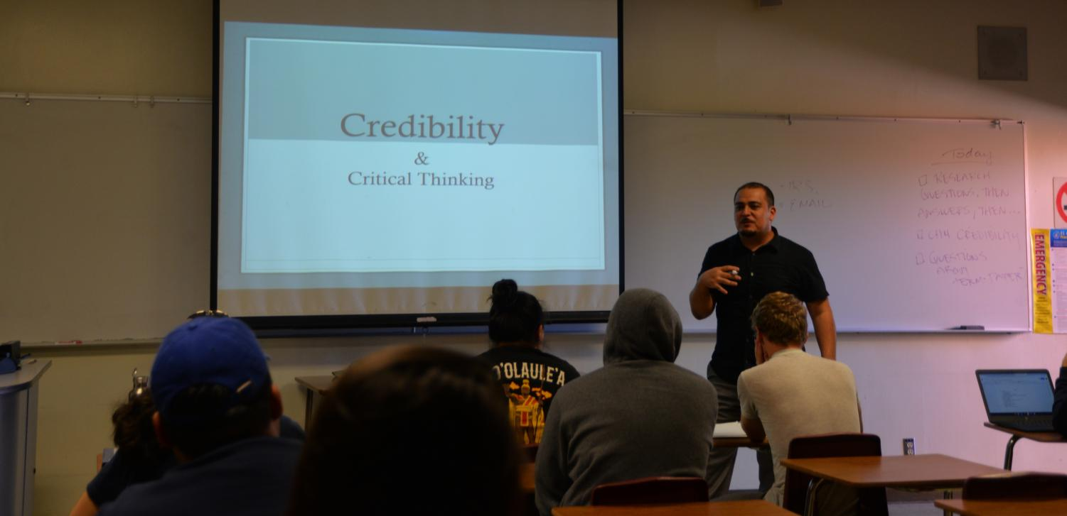 El Camino College psychology professor Roberto Montes presents a lecture on credibility and critical thinking to his class Tuesday, Oct. 8.  Montes thought about majoring in child development until he fell in love with psychology, he said.  Khalida Jamilah/The Union