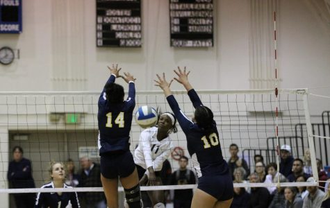 ECC women's volleyball team rallies back against Fullerton College, advances in regional playoffs