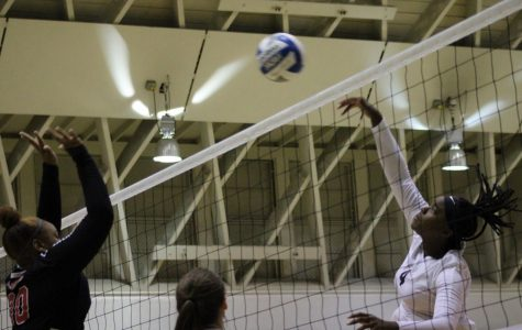 ECC women's volleyball team loses home finale, clinches No. 1 seed in tournament