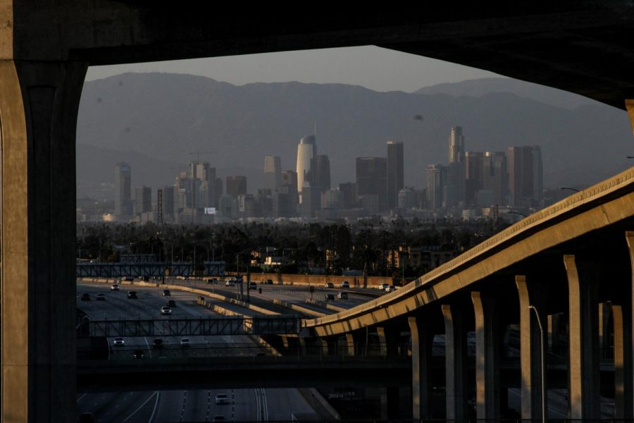 The+I-110+freeway+has+significantly+lighter+traffic+going+both+southbound+and+northbound+at+7+p.m.+on+Wednesday%2C+May+13+because+of+Los+Angeles%E2%80%99+ongoing+stay-at-home+order+due+to+COVID-19.+%28Jamie+Solis+%2F+Warrior+Life%29
