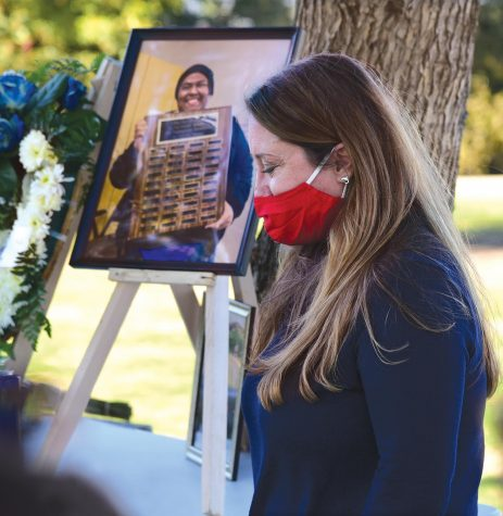 Stefanie Frith, a journalism adviser at El Camino College in Torrance, speaks with emotion of student Juan Miranda at his memorial Sunday, Feb. 21 at Kenneth Hahn Park in Los Angeles. Miranda was the editor of the Warrior Life Magazine at ECC when he died suddenly on Jan. 22. Photo by Gary Kohatsu/Special to the Union