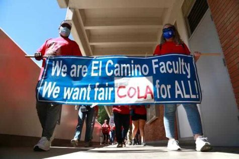 The El Camino College Federation of Teachers begin their educational campaign march through ECC campus grounds on Thursday, Sept. 30, to create awareness over the Cost of Living Adjustment(COLA) contract dispute with the district. Months of negotiations between the Federation and the district have yet to bring about an agreement over the union's proposed retroactive 3.26% COLA increase to their salaries, according to a union press release. On Thursday, Oct. 7, the Federation plans to hold another education campaign march through the college. Mari Inagaki/ The Union